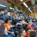 Schon lange vor dem Finale war die Zuschauertribüne voll gefüllt.