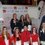 Siegerbild mit den Finalistinnen in der Klasse Juniorinnen.