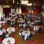Am Vortag wurden hier noch die Wettkämpfe ausgetragen. Jetzt wurde der Saal wieder seiner eigentlichen Bestimmung zugeführt und zum Festsaal umfunktioniert.