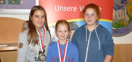 Unser erfolgreicher Nachwuchs: Hanna Köll (Silber Jugend 2 weiblich), Lena Kluibenschädl (Gold Jugend 1 weiblich), Sarah Auer (Rang 4 Jugend 2 weiblich)