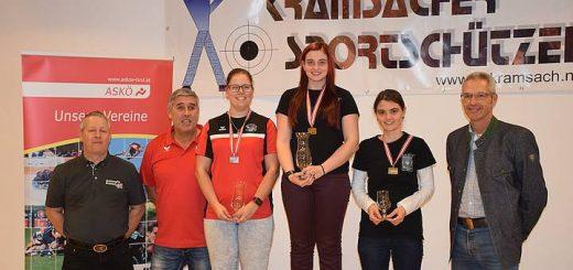 Gold für Marie-Theres und Bronze für Franziska bei den Frauen.