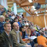 Blick auf die Zuschauertribüne. Die Meisterschaften waren an allen drei Tagen sehr gut besucht.