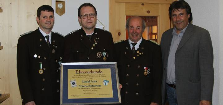 Unser neuer Ehren-Schützenrat Ewald Auer