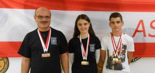 Mit 5x Gold und 1x Silber höchst erfolgreich: Familie Stefani Norbert (Senioren 1), Franziska (Juniorinnen), Johannes (Junioren)