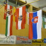 Die Nationalflaggen der Medaillengewinnerinnen