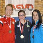 Die Medaillengewinnerinnen Juniorinnen: Flóra Meilinger (Ungarn - Silber), Marie-Theres Auer (Gold), Michaela Mizerova (Slowakei - Bronze)