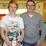 Konnte die erste LP-Medaille der Gilde Roppen bei Österreichischen Meisterschaften erringen: Fabian Kluibenschädl mit Papa Harald